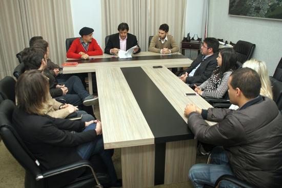 Assinado_contrato_para_mais_uma_etapa_do_projeto_do_Mercado_Publico_1431541585